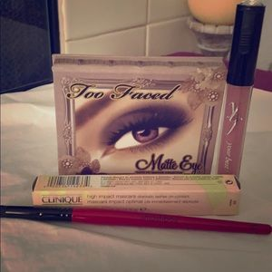 Too Faced Eye Kit with extras NEW
